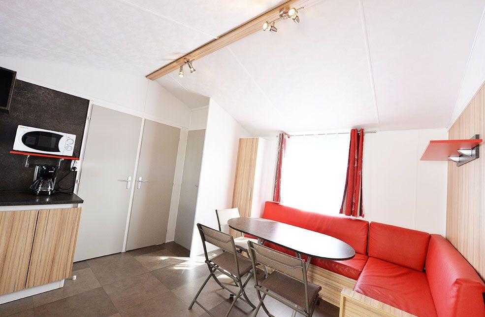 Mobil Home 6/8 Places Grand Confort 3 chambres avec terrasse bois + TV